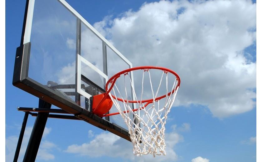 Minibasket: desde quién puede practicarlo hasta la elección de un tablero adaptable