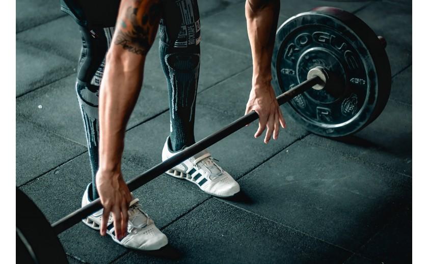 ¡El trabajo con pesas no solo sirve para muscular!